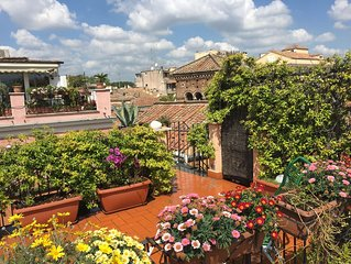 TRASTEVERE PENTHOUSE with PANORAMIC ROOF TERRACE, Heart of Old Historical centre