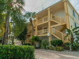 Low Fall Rates!  2BR BEACH CONDO, Immaculate, relaxing & well located!