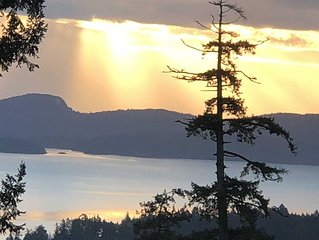 Sweeping Panoramic Ocean Views from Sunroom Suite