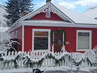 Adorable 1903 Victorian in the Heart of Glenwood Springs Downtown.
