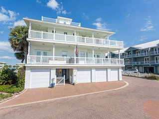 Delightful 3-br, 3-ba Gulf view town home with roof top observation deck!