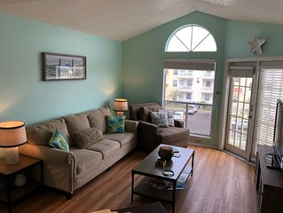 1B/1B 3rd Floor Condo w/Gorgeous Views and 1 Blk from the Beach, Great Amenities