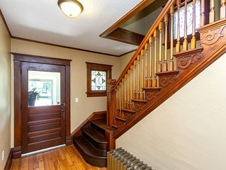 New Listing! Bella Casa! Whole house downtown Rochester. (Near Mayo Clinic)