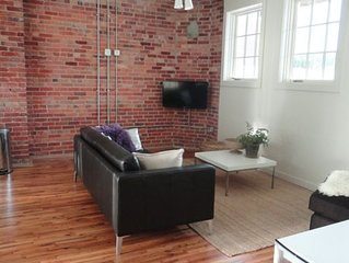 Luxury Loft in Downtown Asheville: chic, central, in the middle of all the fun!