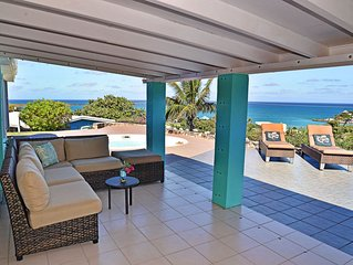Gorgeous East End Villa 3/2 with Private Pool. Walk to Two Beaches.