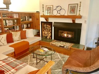 Ski-in/Ski-Out, Chic, Foosball, Fireplace * Best of Everything Stowe!