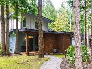 Luxury Townhome in the Forest -5 min to the Beach