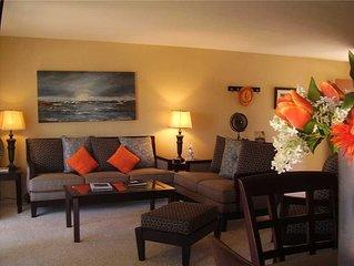 Two-bedroom Condominium: 2 BR / 2 BA  in Palm Desert, Sleeps 6