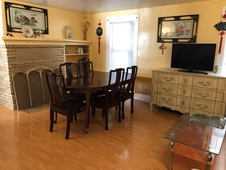 Home away from home Central location clean 6b3b house parking BBQ in gated area