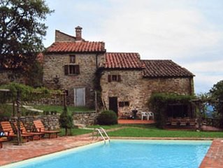 Rustic Farmhouse in Tuscan Hills Great Value for Money