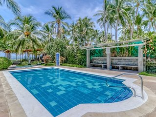 Well-situated villa at beachfront property w/shared pool & gardens!