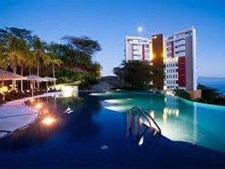 Stunning Ocean Views, Private Beach Club, Infinity Pools, Pure Luxury