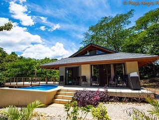 3/3 Home w Pool - Tranquil and surrounded by Nature! Sleeps 10