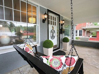 LOCATION - 1.5 blocks from restaurant row - The Highlander House, Downtown, Expo