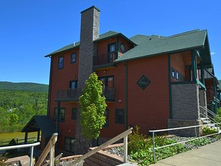 Ski ON/OFF 3 Bedroom Spacious Townhouse/newly renovated.