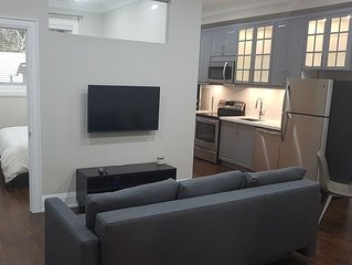 Basement Apt. Close to Toronto and Pearson Airport