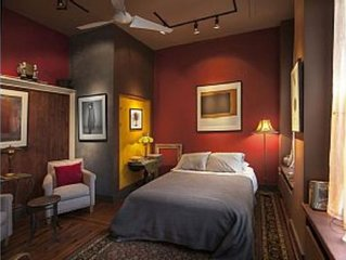 Garden Suite with private parking, In The Heart Of Hudson