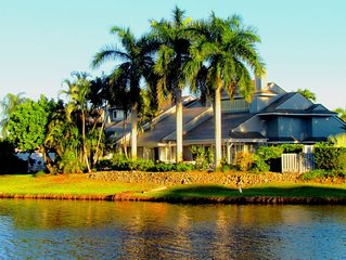 Large Private Villa & Pool in Pelican Bay on Lake