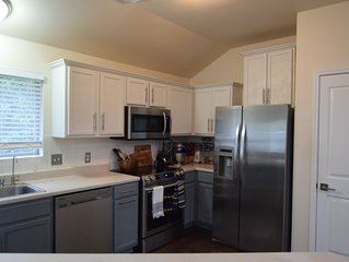 Gorgeous House| 30 minutes from DT Austin