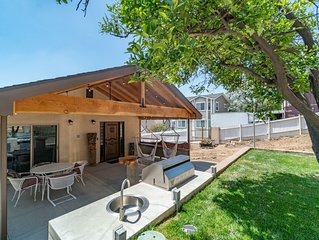 BRAND NEW HOME | VIEW, FIRE PIT, BBQ & PUTTING GREEN