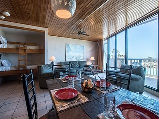 1BR / 1BA 2nd floor condo, 2 shared pools and gulf view