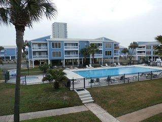 Sunshine And Tan Lines-easy Beach Access! 3br/2ba, Pool&Beach View, Free WIFI