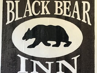Black Bear Inn The Buck Stop 2 Double Beds  Wi-Fi and DISH!