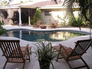 Sarasota Bay sunsets, Secluded pool Oasis, Near St. Armand's Circle and Beaches