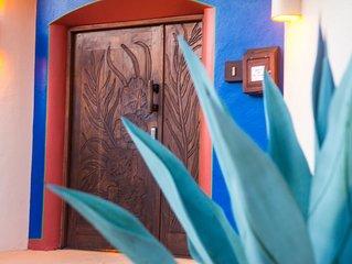 El Cedro Deluxe Suite w/ Kitchenette at Villas Los Arcos by Playa La Ropa