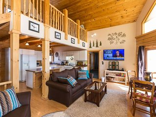 Cute home in CB South, overlooking river, amazing views and fishing access!