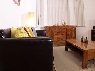 Pearl House. A two bedroom flat 5 minutes away from City centre with parking.
