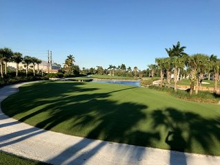 South Naples 2/2 1200' Condo in Bundled Golf / Tennis with Golf Course Views