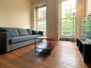 Spacious 2BR Apartment in Bolton Hill w/Parking - 14P1