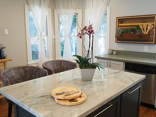 Lake Merritt Beauty - WIFI, Parking, Sleeps 4