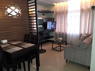 Manhattan Parkway , Araneta Center 2Bedrooms, 2 Bath, Fully Furnished.