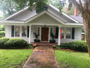 Newly Renovated Winter Colony Cottage-Available for Masters