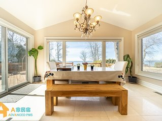 DIRECT WATERFRONT COTTAGE | 7 BEDS | 2.5 BATH