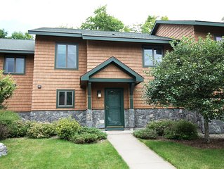 Fully Equipped Town Home Within a close walk to Main & Mirror Lake