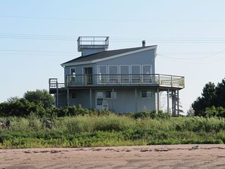 Funky Beachfront Cottage On The Northumberland Strait
