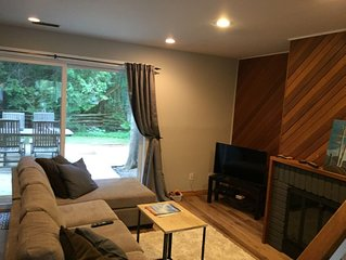 3 bedroom townhouse Long term/ monthly $2100 or seasonally