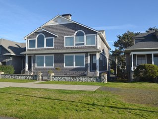 Blakely Prom House - Prime Oceanfront Location - On Promenade