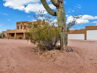 Sante Fe style home - 4 bedrooms, 4.5 baths, at foot of Superstition Mtns