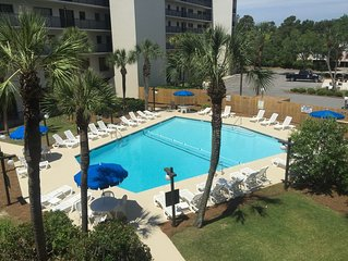 Discounted Rates**Free Linens**Family Friendly**Community Pool** 1250 Sq Ft