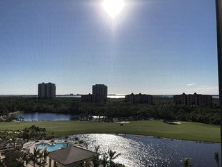 Private elevator to 7th floor SW corner residence w/3 Bedroom/ 3 Bath/ 3 Balcony