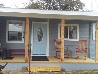 STEPS to MAIN & 11TH ST. Covered parking. Porch Rocking Chairs. RIVER access !