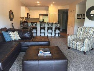 Beautiful 3 Bedroom 2 Bath Lakefront Condo in Linn Creek Cove