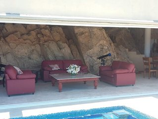 Detached Villa w/ Pool in Pedregal perfect for Bachelor/ette or Family Retreats!