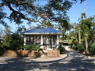Historical Beach Cottage -Call us about last minute specials & Golf Cart Rentals