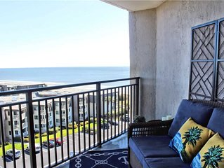 * Newly Renovated Beach Condo! * Hardwood Flooring * Beautiful Ocean Views *