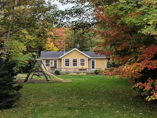 Barefoot Bungalow – Beautiful Cottage in Cavendish with Pool and Hot Tub